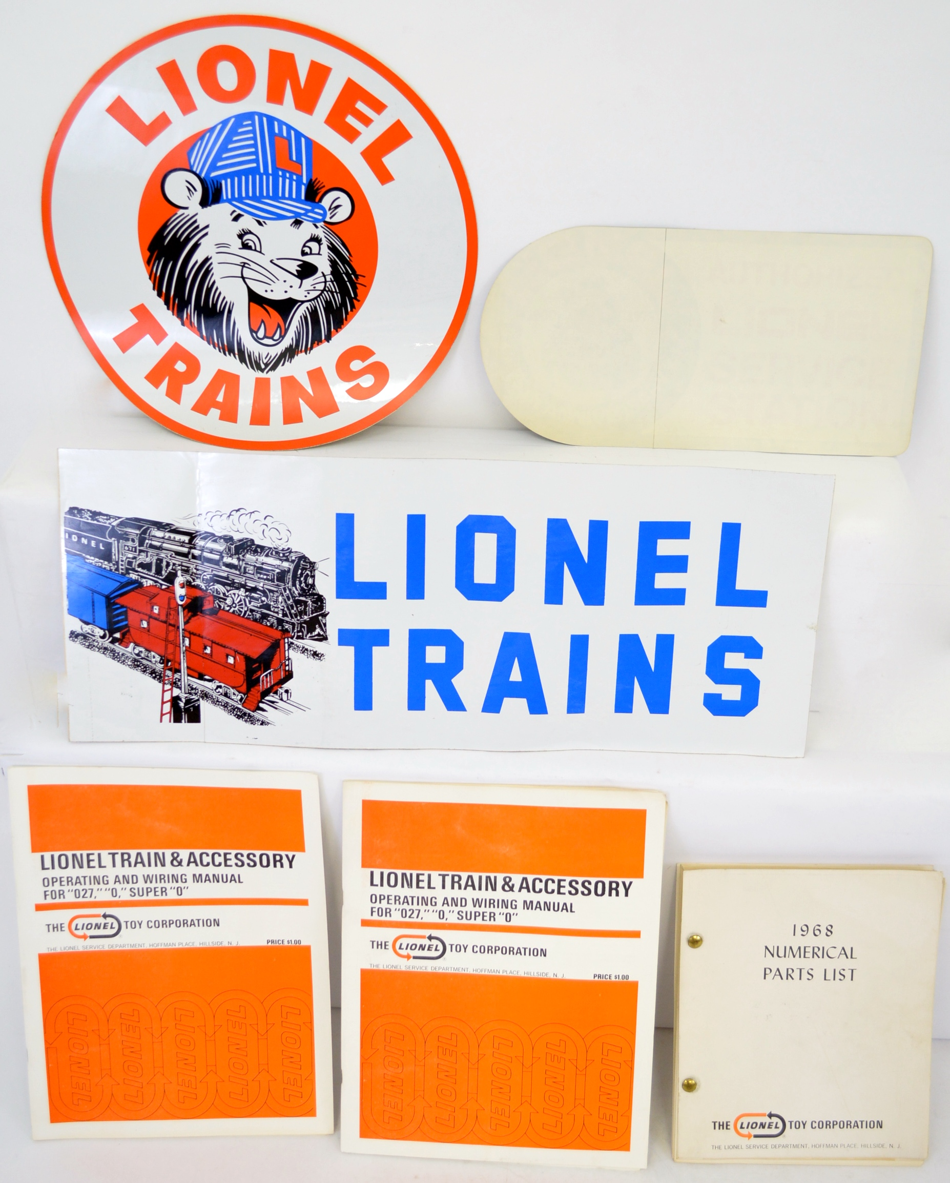 Fantastic Postwar Lionel Model Trains And Accessories