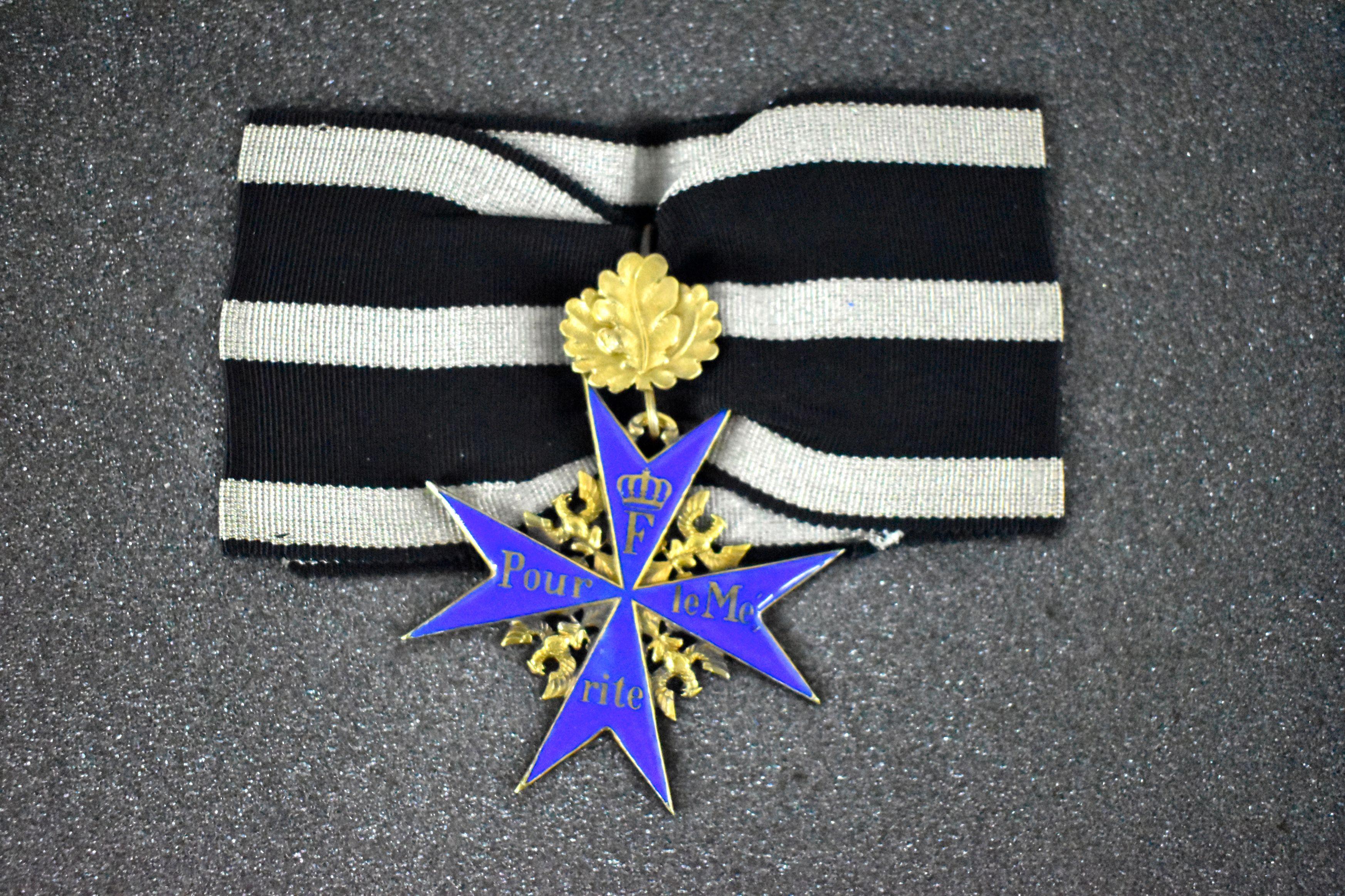 RARE Original Pour Le Merite WWI Era Blue Max Medal